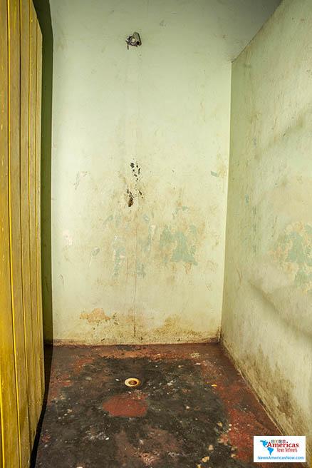 baño-en-un-refugio-en-st-vincent-naan-image