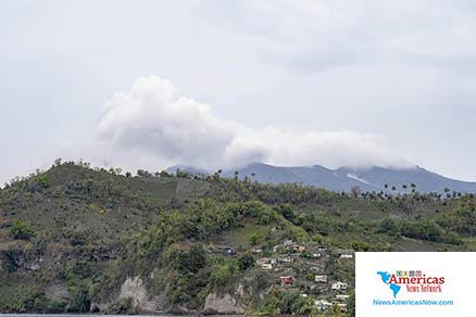 La- Soufrière-volcán-vaporiza-el-29-abril-2021-imagen-naan