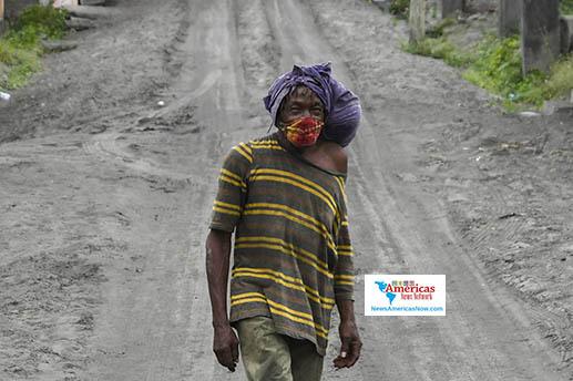 man-in-road-in-ash-in-st-vincent-naan-imagen